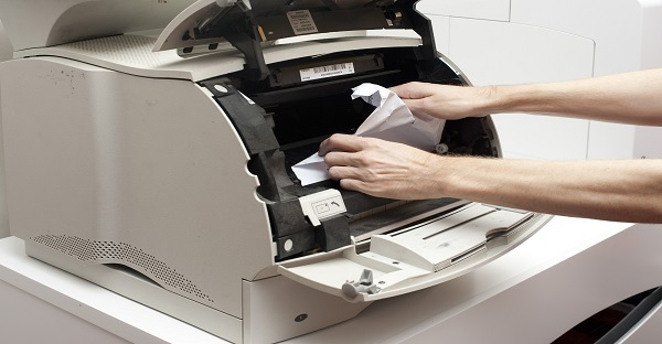 Freeing up a paper jam in hp printer